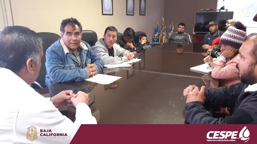 REUNIÓN DEL DIRECTOR ING. MARCELINO MÁRQUEZ WONG ANTE REPRESENTANTES DE COLONIAS DE LA PERIFERIA DE ENSENADA