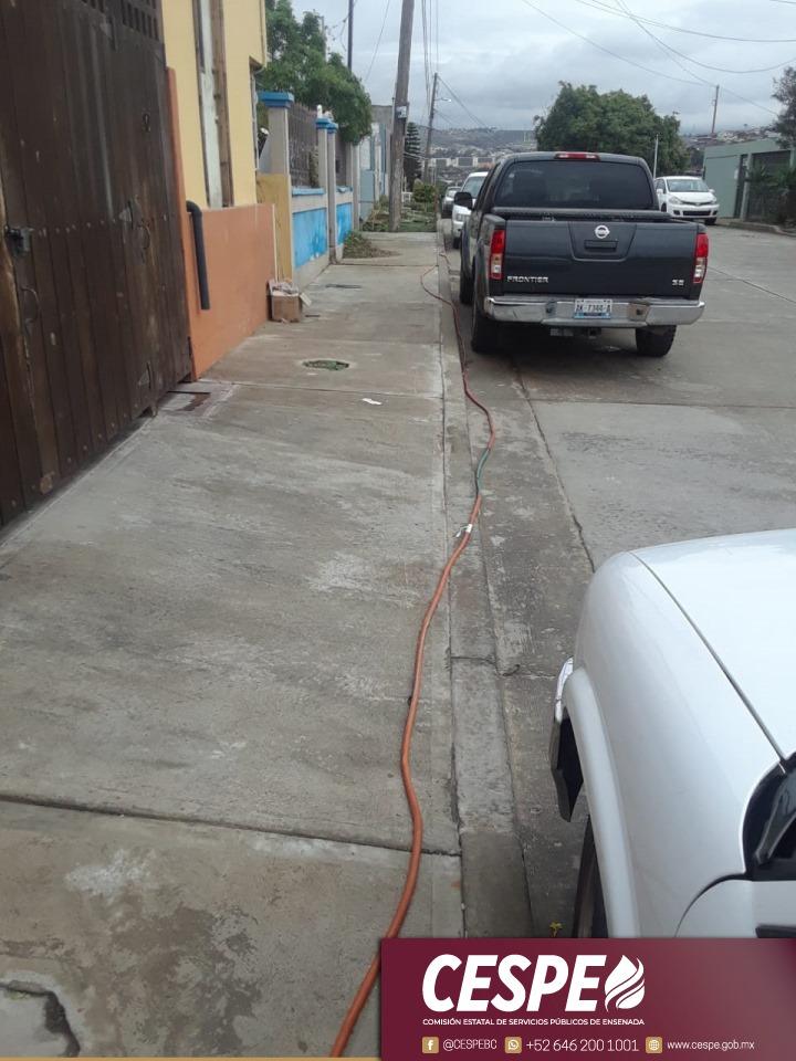 Detecta CESPE toma clandestina con una manguera a 70 metros a una vivienda.