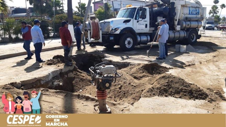 Concluye la CESPE reparación de fuga en Boulevard Costero y programa bachear el próximo lunes.