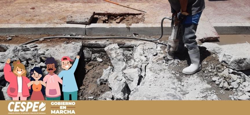 Supervisa Director General de la CESPE Ing. Marcelino Márquez Wong, los trabajos de reparación de una fuga en Calle Primera.