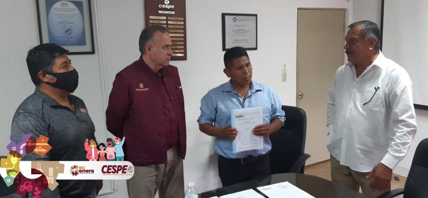 Se compromete Director General de la CESPE Ing. Marcelino Márquez Wong, a entregar proyecto para la  introducción de agua potable a la Colonia Jardines del Valle en San Quintín. Cumplió s